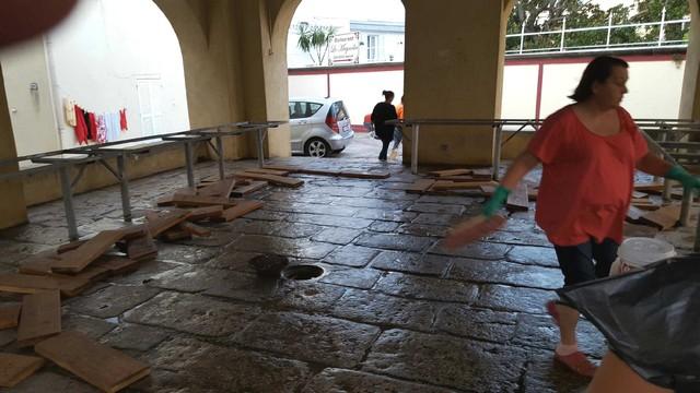 Actes de vandalisme sous le marché couvert de Calvi !