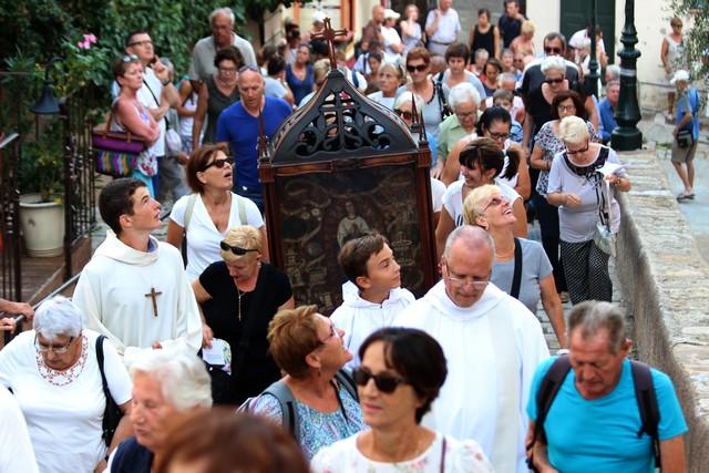 Procession vers Notre-Dame de la Serra à Calvi