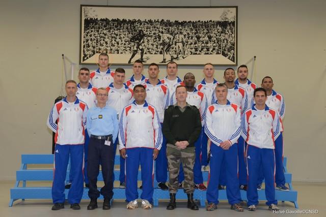 Le caporal Lenski au centre avec l'équipe de France militaire de boxe