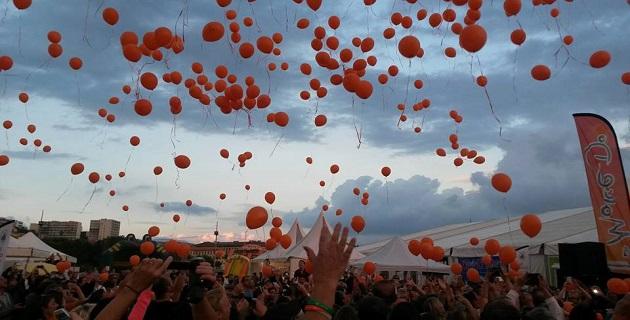 Lâcher de ballons biodégradables