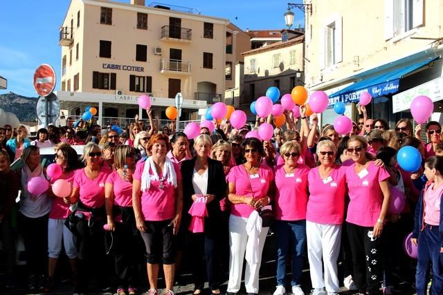 Une Marche Rose porteuse d'espoir à Calvi