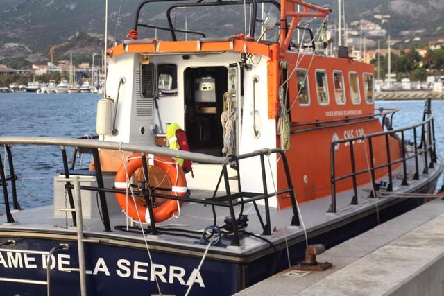 Une embarcation de 7 mètres se retourne au large de Calvi. Ses 3 occupants indemnes !
