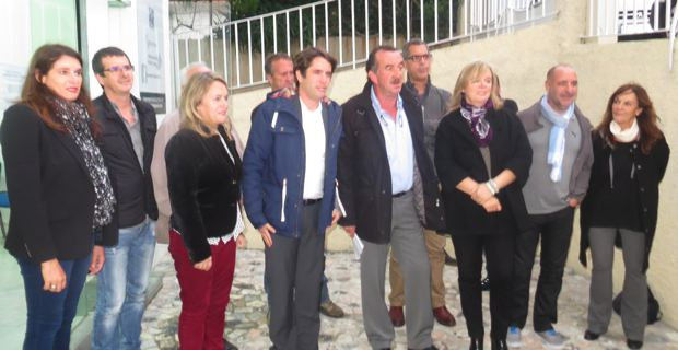 Joseph Gandolfi et Joseph Savelli, entouré des membres d'Inseme per Bastia.