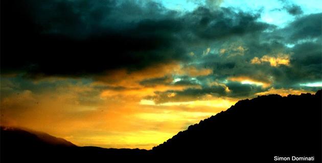 Crépuscule sur Lévie