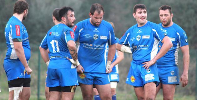 La déception se lit sur les visages des joueurs bastiais : Pierantoni (11), Pagliai, Vidal, Morelli