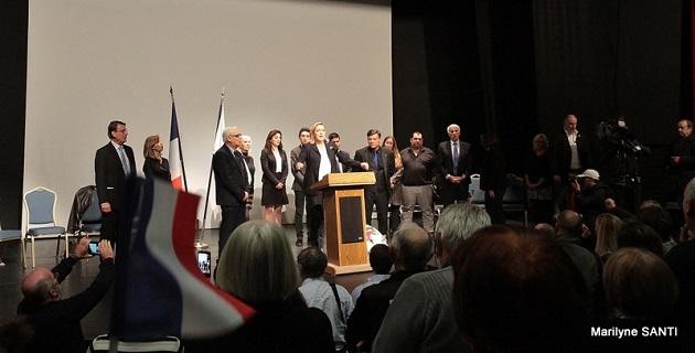 """Marine Le Pen à Ajaccio : """"Vous êtes fiers d'être Corses et vous êtes fiers d'être français"""""""