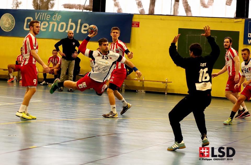 (Sanchez à l'offensive © Grenoble SMH GUC Handball)