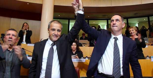 Jean-Guy Talamoni, président de l'Assemblée de Corse et Gilles Simeoni, nouveau président du Conseil exécutif de l'Assemblée de Corse.
