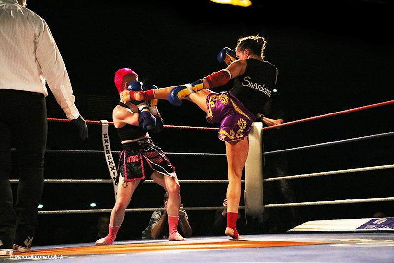 Combat très engagé entre deux combattantes déterminées (© Marcu-Antone COSTA)