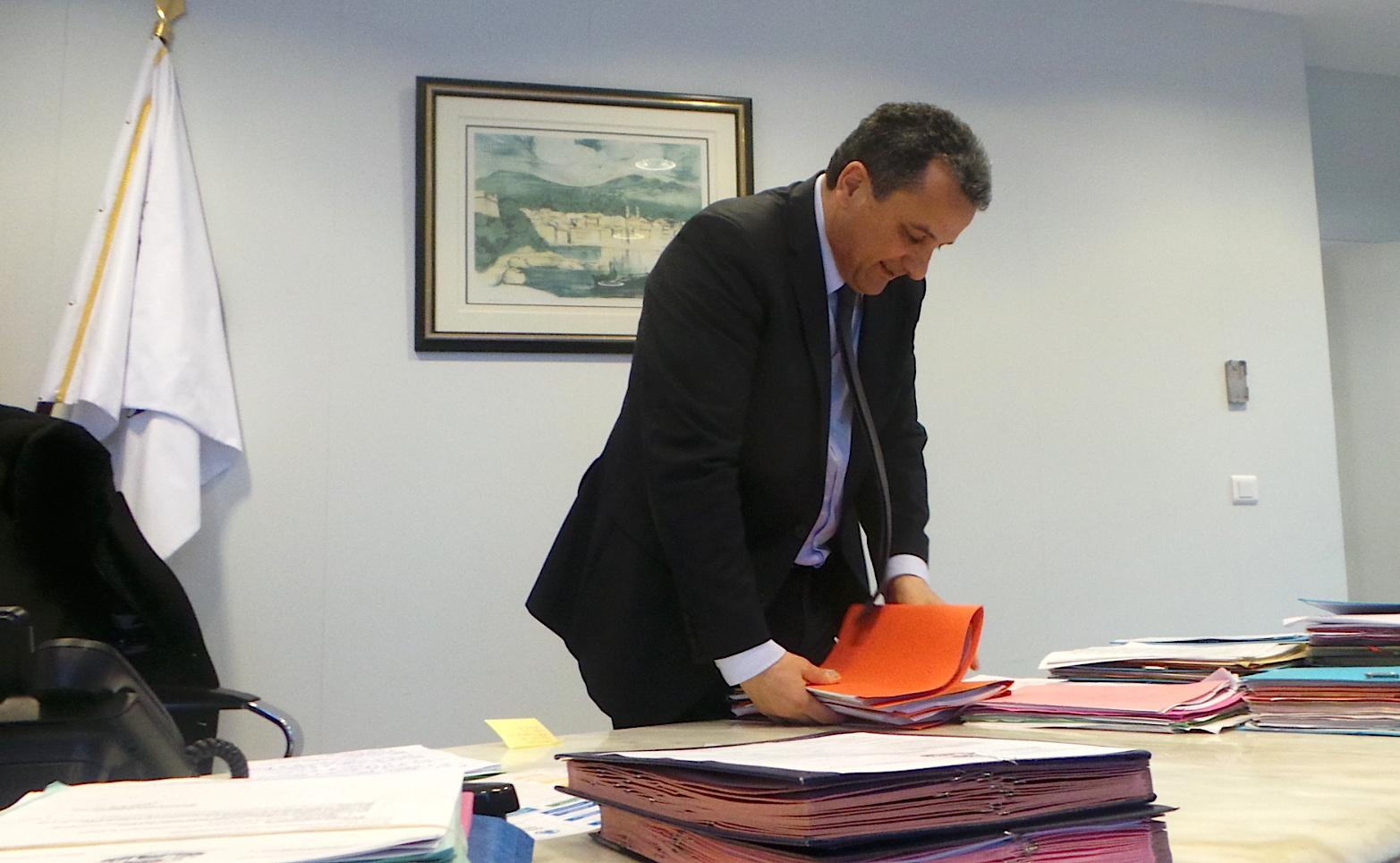 François Tatti n'entend pas abandonner son bureau et son poste de président