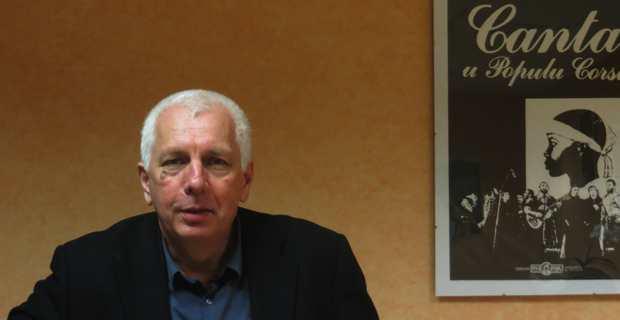 Saveriu Luciani, conseiller exécutif et président de l'Office d'équipement hydraulique de la Corse (OEHC), dans son bureau de l'OEHC.