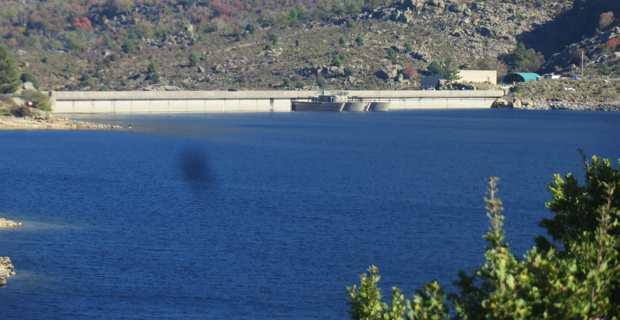Le barrage de Calacuccia au Niolu.