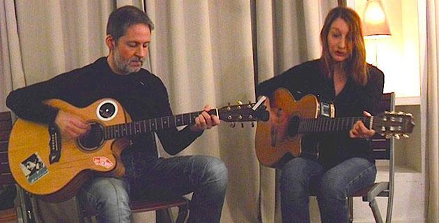 """Una Volta, décembre 2015, Patrizia Gattaceca  accompagnée par Frédéric Antonpietri (dit Tonton) du collectif  """"Corsica Sound"""""""