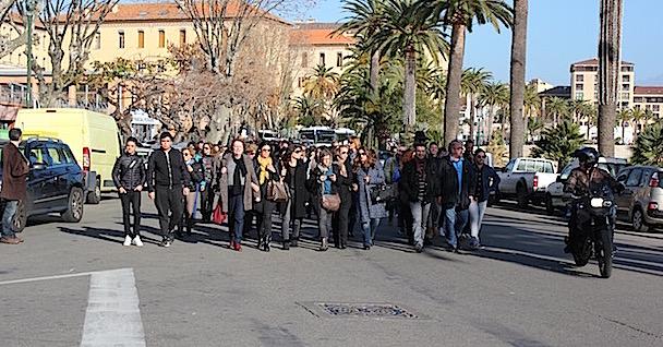 Ajaccio : Manifestation de soutien à l'enseignante agressée vendredi au collège Fesch