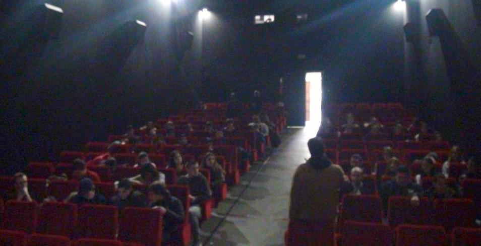 """30 jeunes pris en charge  par la PIJ, jurés de """"Ciné, la vie"""" au cinéma Fogata de l'Ile-Rousse"""