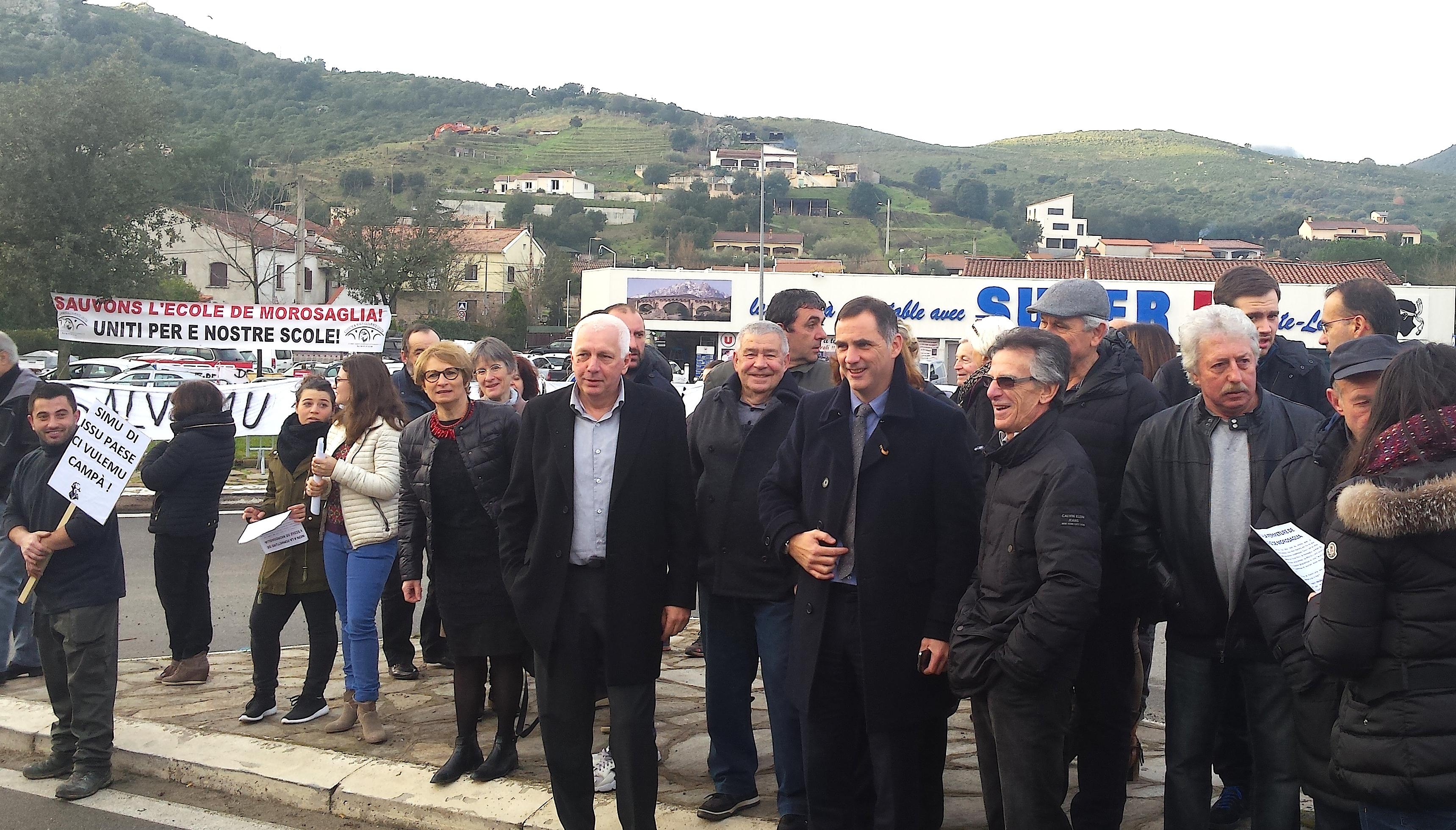 Menaces sur l'école Pasquale Paoli de Morosaglia : Rassemblement et barrage filtrant à Ponte-Leccia