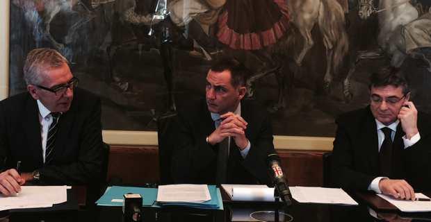 Conférence de presse commune de Gilles Simeoni, président de l'Exécutif de Corse, Francesco Pigliaru, président de la Région autonome de la Sardaigne, et Gianfranco Ganau, président de l'Assemblée sarde.