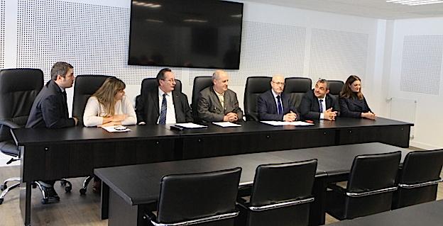 Les trois recteurs ainsi que les chefs d'établissement ont présenté le projet dans la salle des Conseils