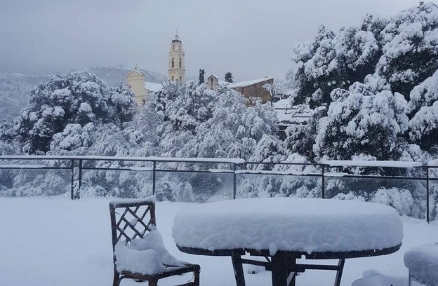 Cliché pris d'une terrasse à Olmi-Cappella