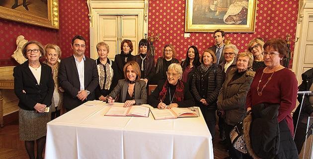Signature de convention   entre le CCAS de la Ville d'Ajaccio et le CIDFF de Corse-du-Sud