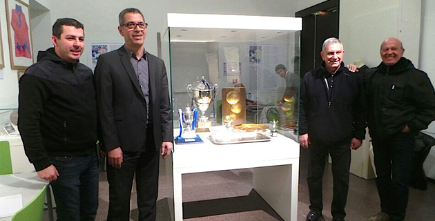 Le SCB représenté par Anthony Agostini est venu exposer ses trophées en présence de Pierre Savelli maire de Bastia, Michel Sorbara, président du Sporting vainqeur de la coupe de France 1981 et Jean Giambelli, directeur de cabinet du maire
