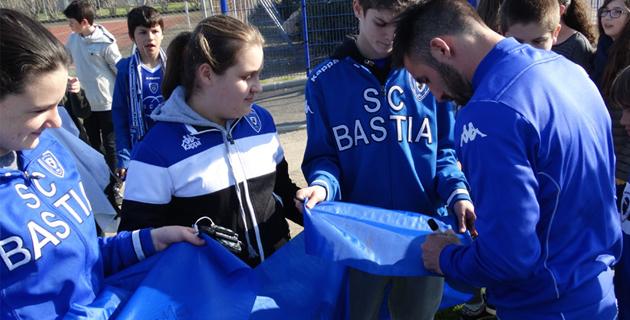 Collège Vincinguerra : La terre est bleue comme le… Sporting
