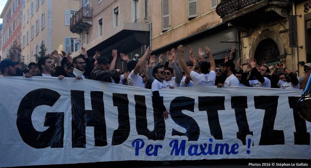 """Reims : 7 supporters du Sporting devant la justice. Plainte pour """"faux et usage de faux"""" contre les policiers rémois"""