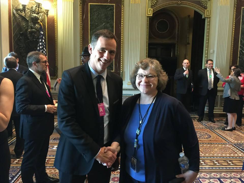 """Gilles Simeoni et les membres de la délégation corse ont été reçus dans la Indian Treaty Room par Karen R. Diver, l'assistante spéciale du president Barack Obama pour les """"Native American Affairs""""."""