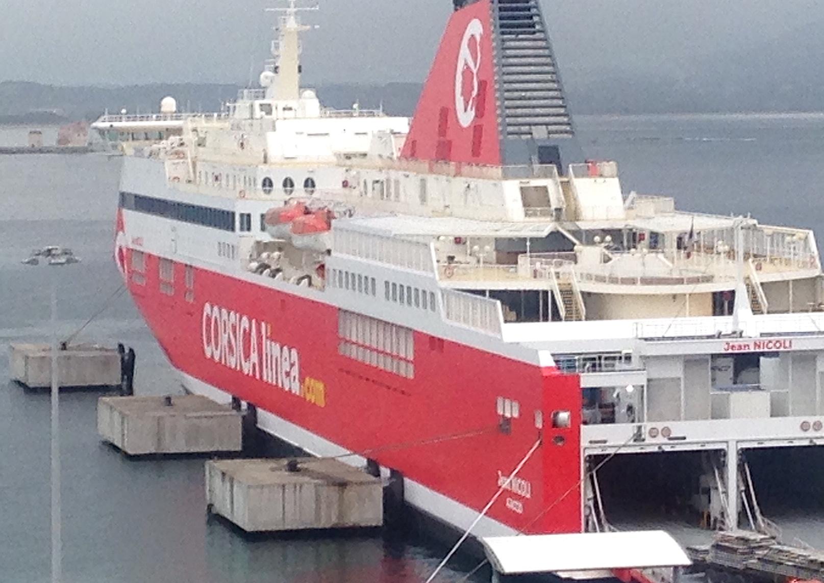 Le Jean-Nicoli version Corsica Linea à Ajaccio : Le rouge est mis