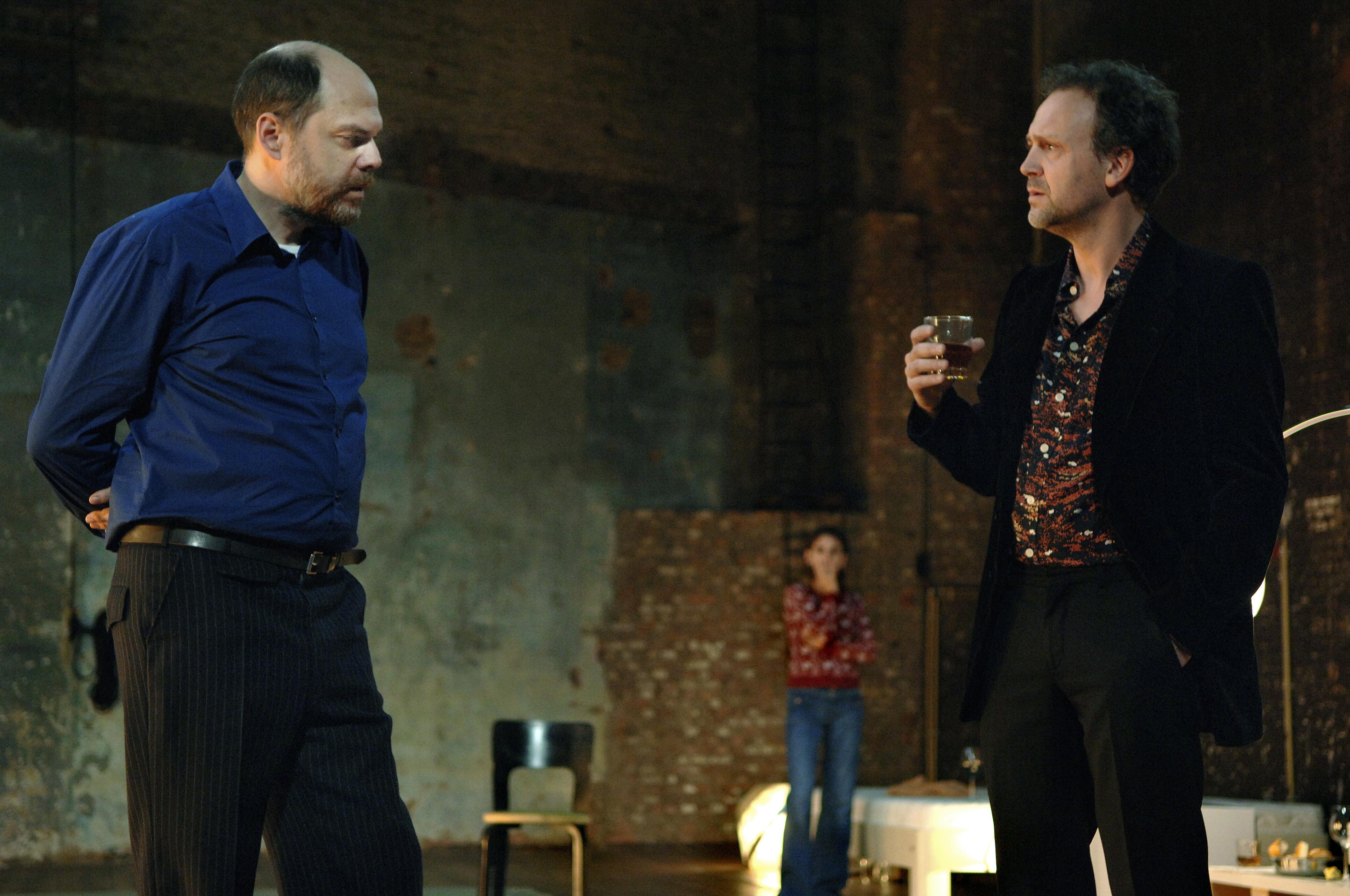 """Théâtre : L'amour, l'oubli, l'usure des sentiments des """"Trahisons"""" de Pinter"""