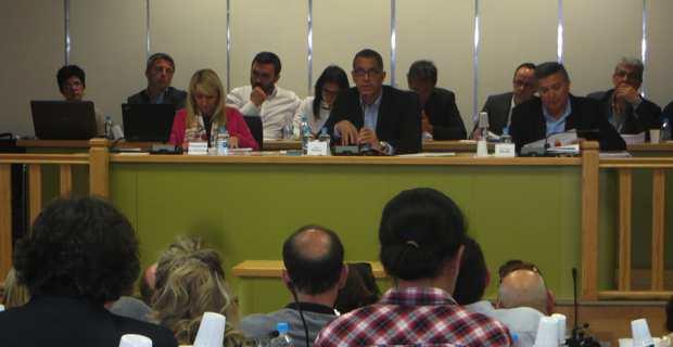 Le maire de Bastia, Pierre Savelli, entouré de ses deux premiers adjoints, Emmanuelle De Gentili et Jean-Louis Milani.
