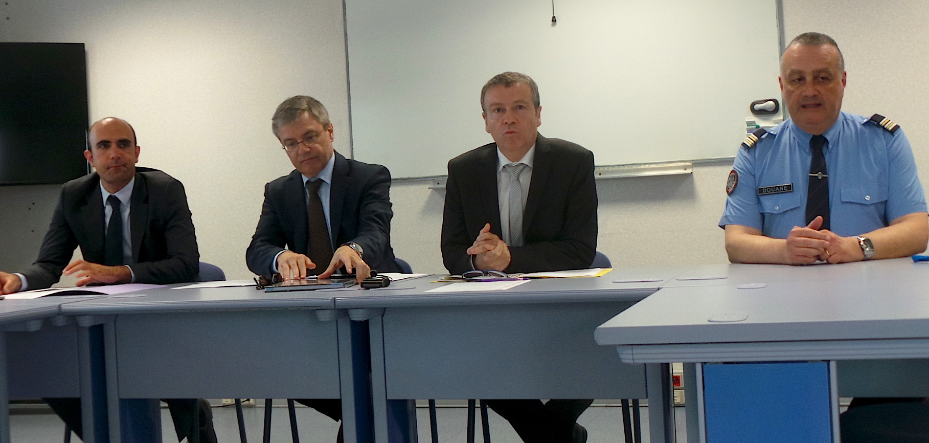 Douanes de Corse : Armes, fraudes fiscales, contrefaçons…