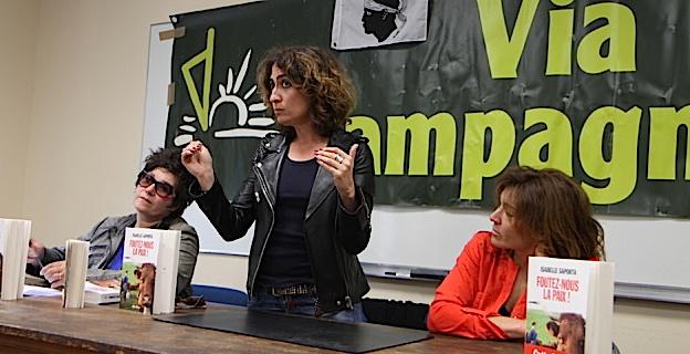 Isabelle Saporta a pris la parole devant une quarantaine de personnes