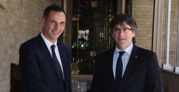 Gilles Simeoni, Président du Conseil Exécutif de Corse et Carles Puigdemont, Président de la Generalitat de Catalunya, au Palau de la Generalitat à Barcelone.