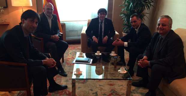 Jordi Solé, Raül Romeva, Carles Puigdemont, Gilles Simeoni et Francois Alfonsi.