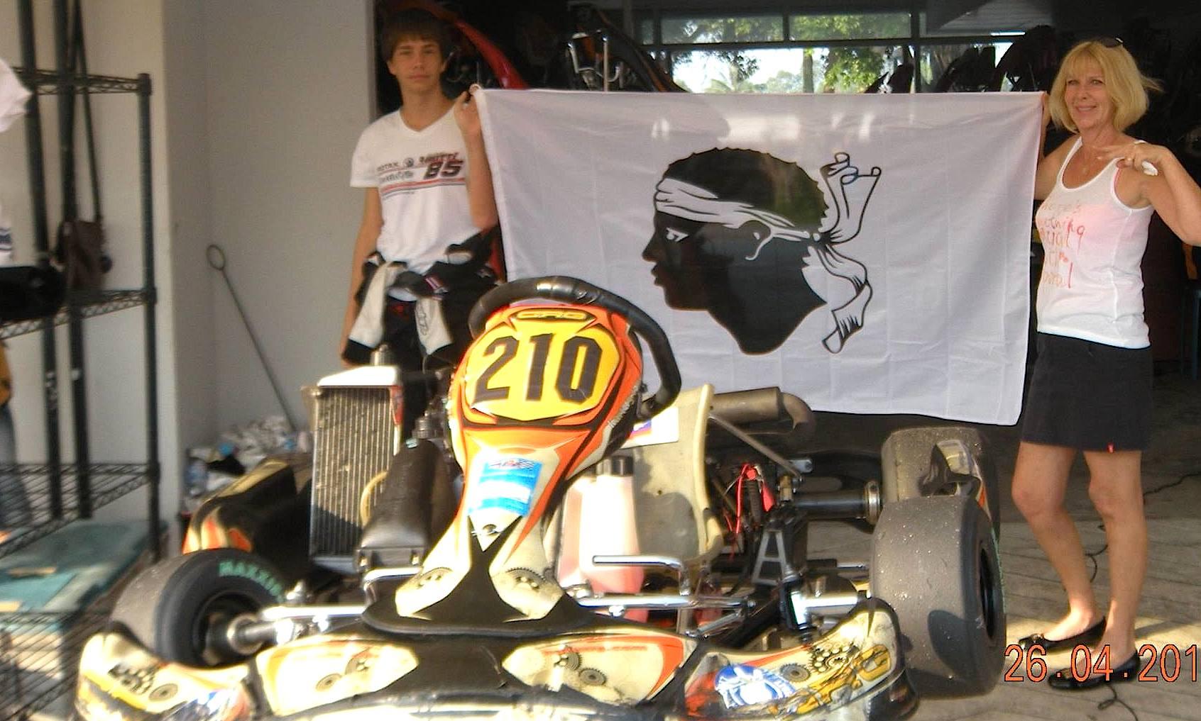 Un jeune corse, aux portes de la formule 4, participe au championnat de karting de… Thailande