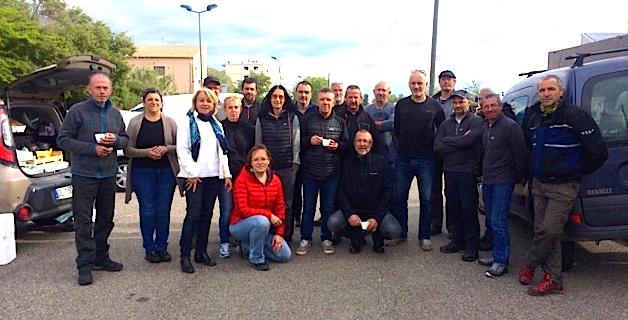Les producteurs entourés du Groupement régional des producteurs et transformateurs des châtaignes et marrons de Corse, du syndicat AOP farine de châtaigne corse, de la chambre d'agriculture de Haute-Corse et de l'ODARC