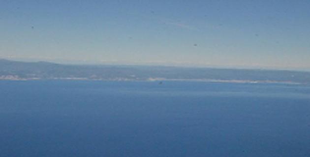 Savone vu du Falcon 50 de la Marine nationale. (Photo Marine nationale)