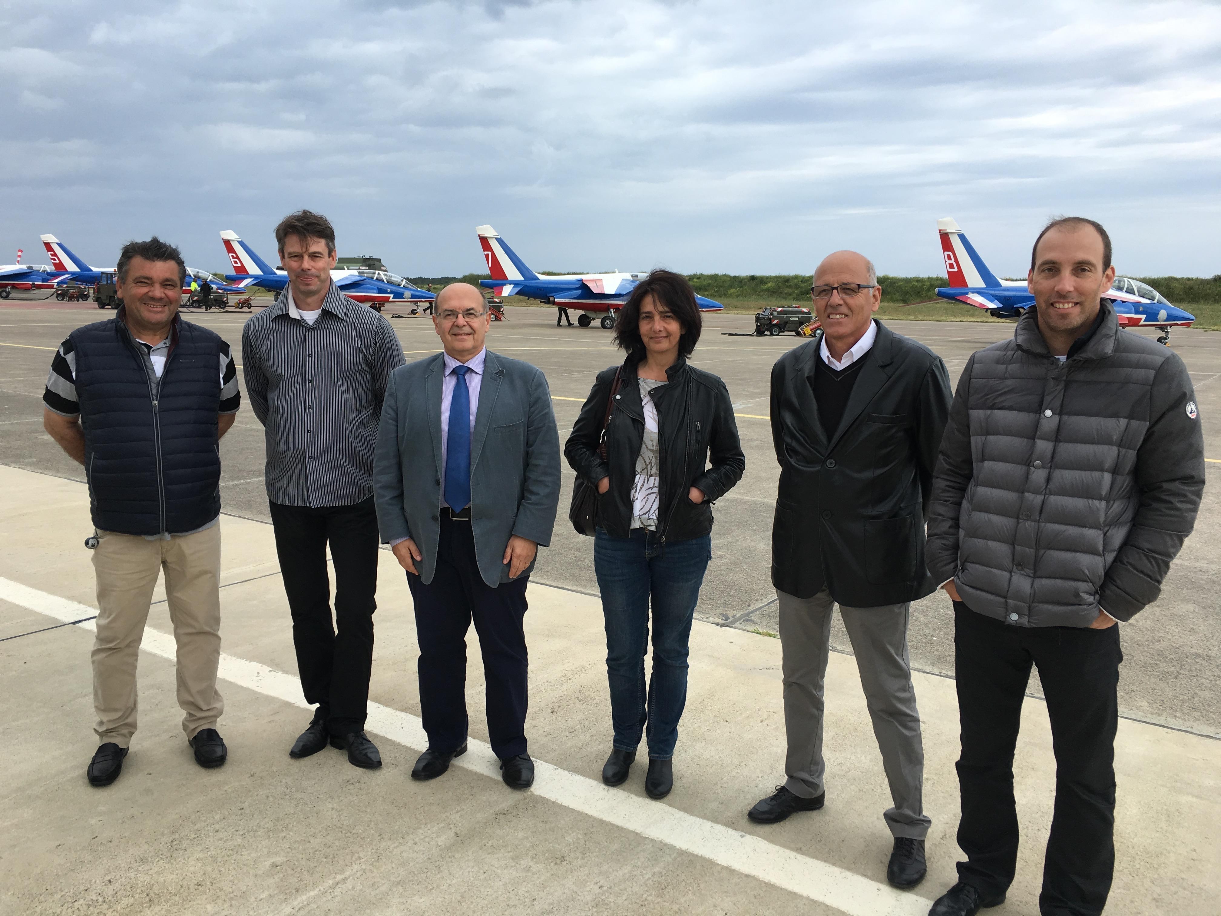 L'inspecteur académique Jean-Dominique Coggia (Veste costume) entouré des membres du CIRAS Corse