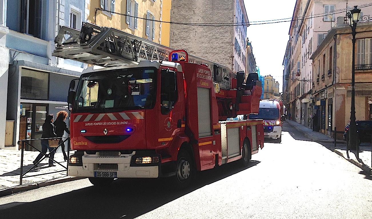 Les pompiers dans la rue lors d'une récente manifestation