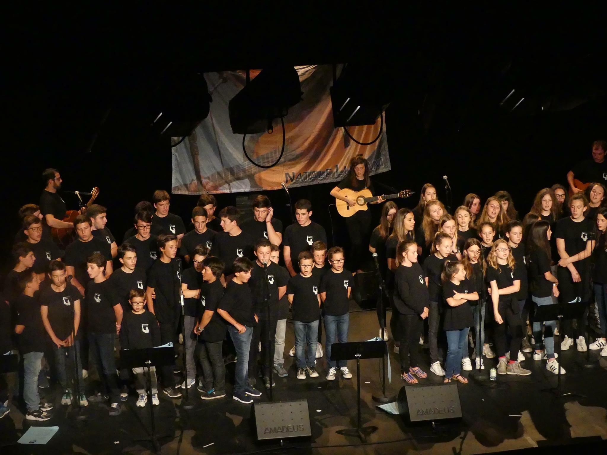 Scola di Cantu : una fede, una scola…