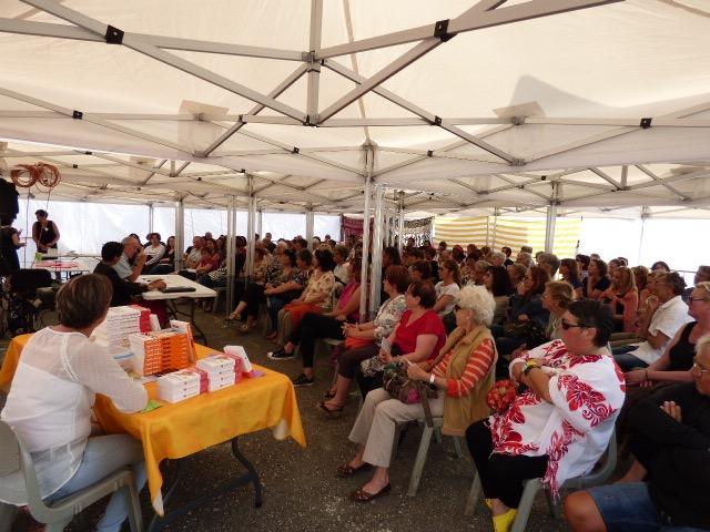 De nombreuses personnes sont venues écouter ce samedi le professeur Henri Joyeux.