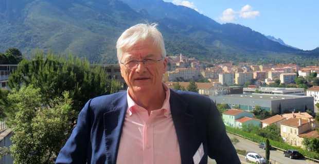 Loïc Cauret, président de Lamballe Communauté, située en Bretagne dans les Côtes d'Armor, et président délégué de l'AdCF (Association des communautés de France).