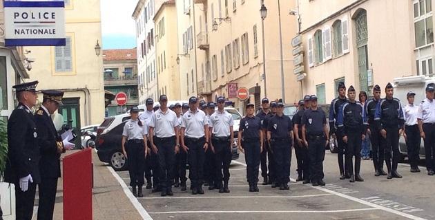 Hommage à Ajaccio aux deux policiers assassinés