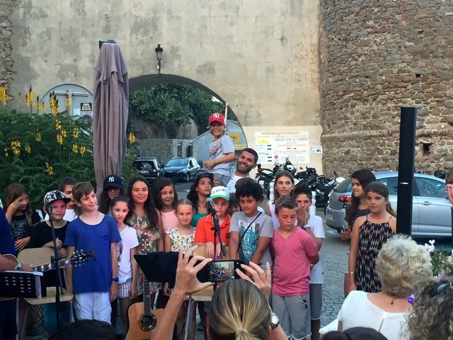 """Avvedeci nostru Maestru"" : Le bel hommage du CM2 de l'école Loviconi de Calvi à son ""instit"""