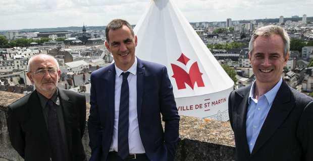 Christian Andreani, Gilles Simeoni et Antoine Selosse en haut de la Tour Charlemagne.