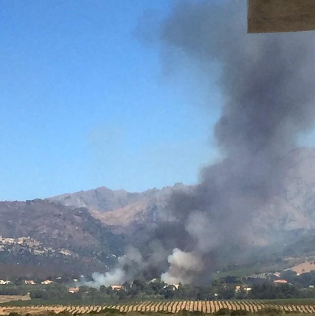Départ de feu  à proximité d'habitations route de Calenzana