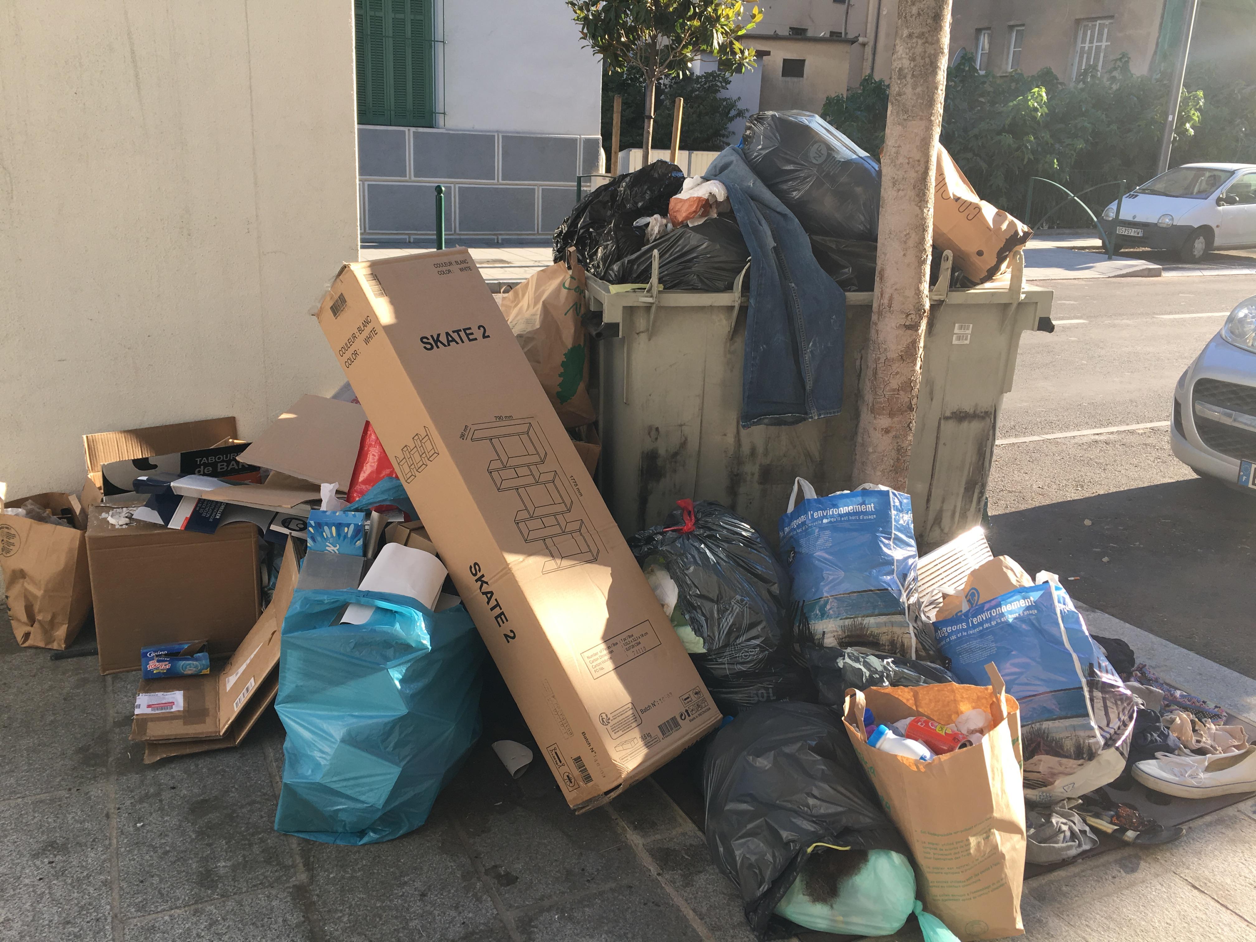 Capa : Aménagements, développement économique et crise des déchets…
