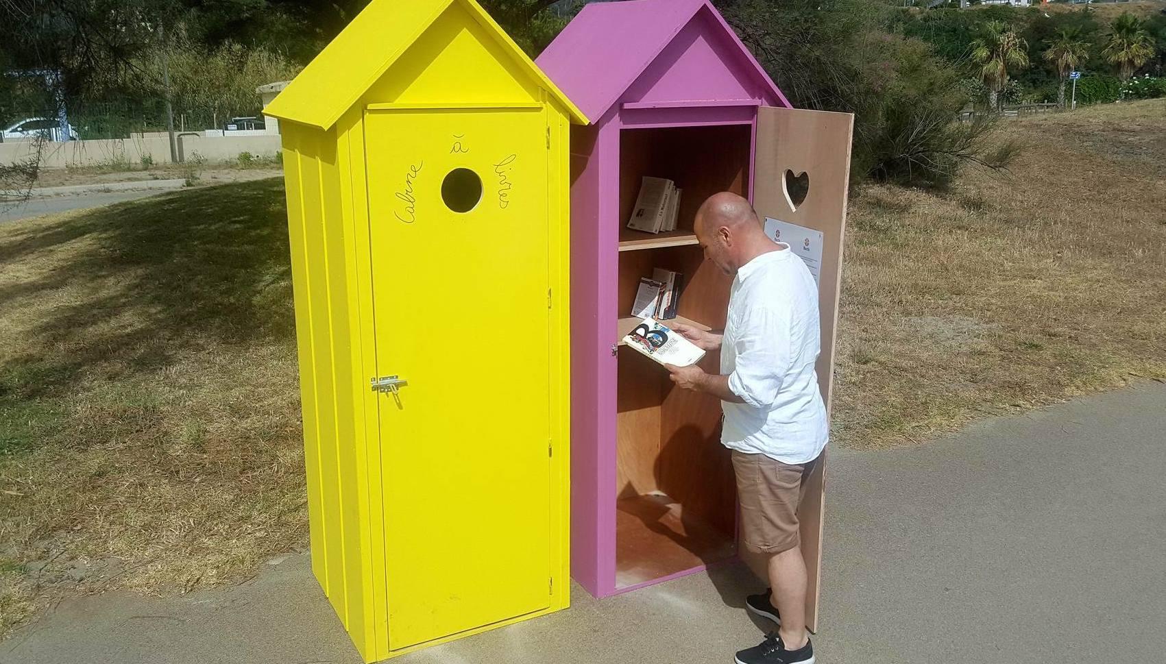 Bastia : Deux nouvelles cabines à livres sur la plage de l'Arinella