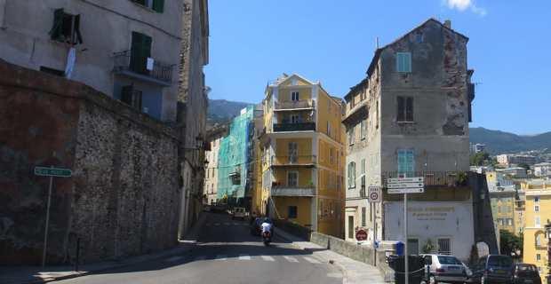 Bastia, une des villes les plus pauvres de France.
